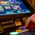 Erlaubt das deutsche Recht das Spielen von Spielautomaten um echtes Geld?